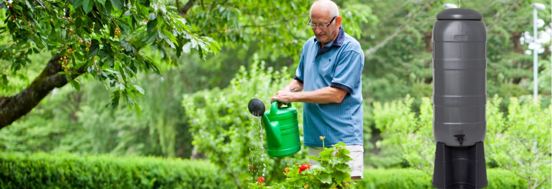 Med regntunnor från GreenLine kan du samla de värdefulla dropparna för att vattna, naturligt regnvatten är dessutom uppskattat av växterna. www.greenline.eu